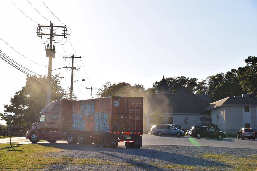 truck-leaving-hopewell
